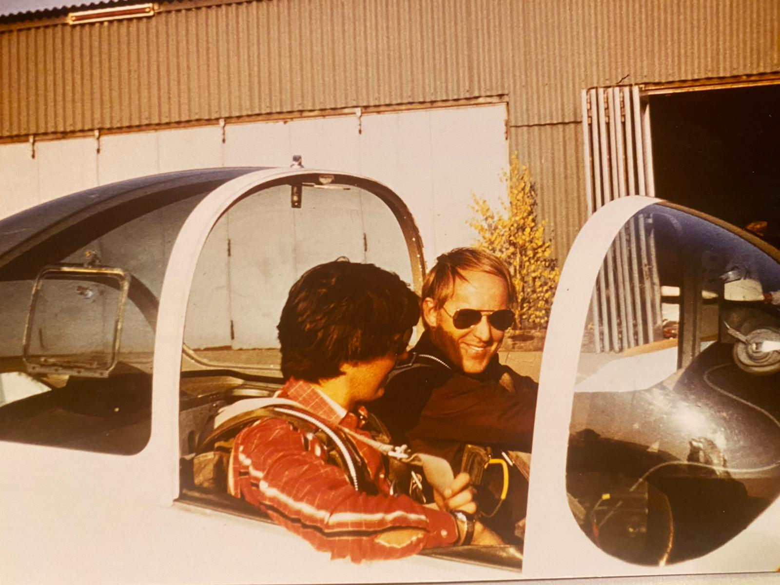 Mit Wilhelm Heinz in der Bo 209 Monsun D-EAIN der Motorflugschule des BWLV auf der Hahnweide